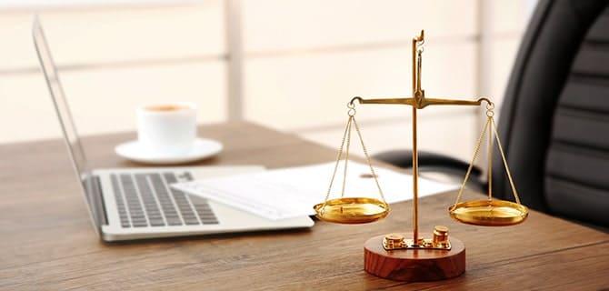 弁護士に依頼する前に知っておきたいこと~交通事故に強い弁護士の探し方・選び方~